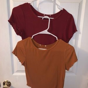 SET - Two Basic Crop Tops!